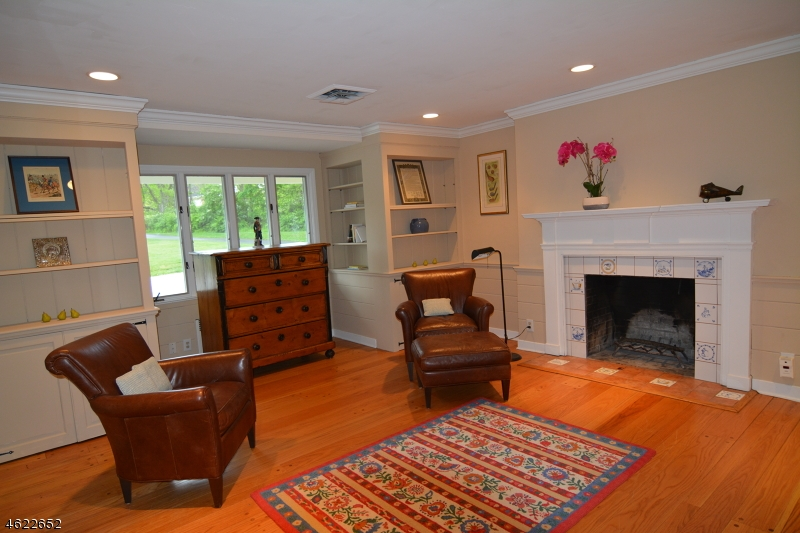 Additional photo for property listing at 19 Youngs Road  New Vernon, New Jersey 07976 États-Unis