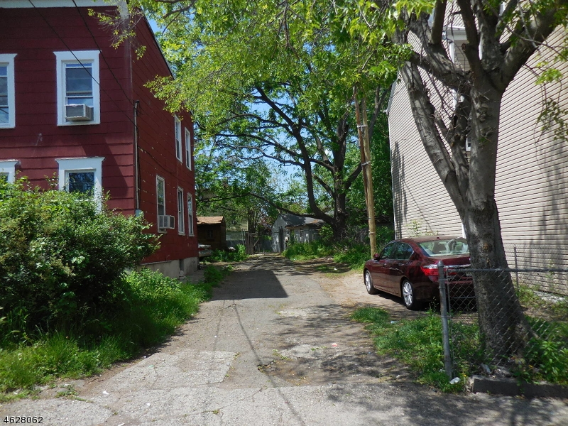 Single Family Home for Sale at 11 Weiss St 11 Weiss St Paterson, New Jersey 07503 United States
