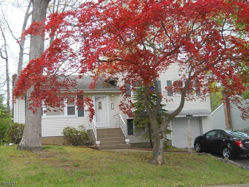 Single Family Home for Sale at 21 Schuler Avenue Waldwick, 07463 United States