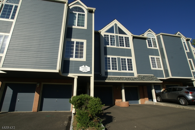Additional photo for property listing at 193 Surrey Court  Ramsey, New Jersey 07446 États-Unis