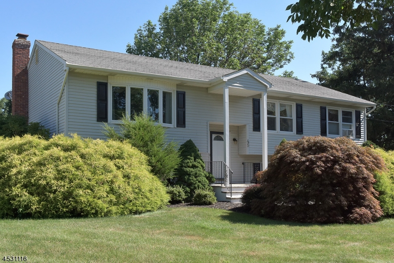 Additional photo for property listing at 140 Mckinley Avenue  East Hanover, New Jersey 07936 États-Unis