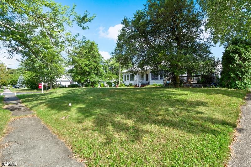 独户住宅 为 销售 在 424 Monmouth Avenue 斯普林莱克, 07762 美国