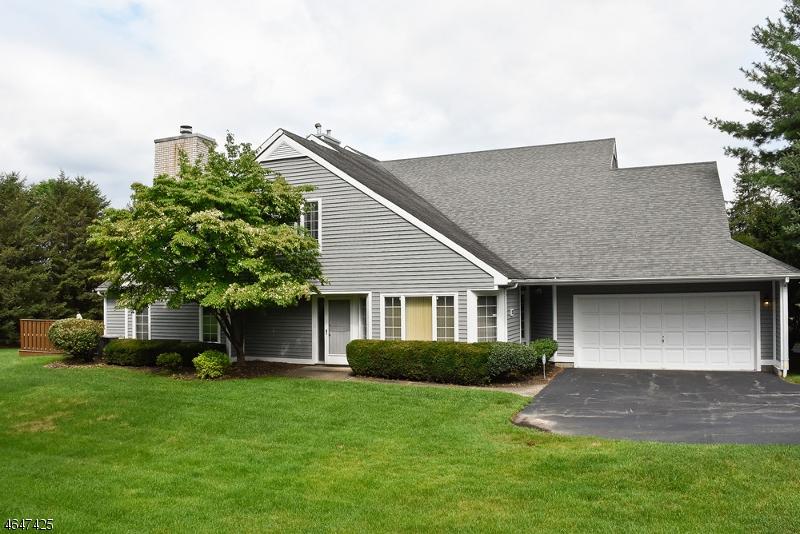 独户住宅 为 销售 在 20 Ridge Drive Montville, 新泽西州 07045 美国