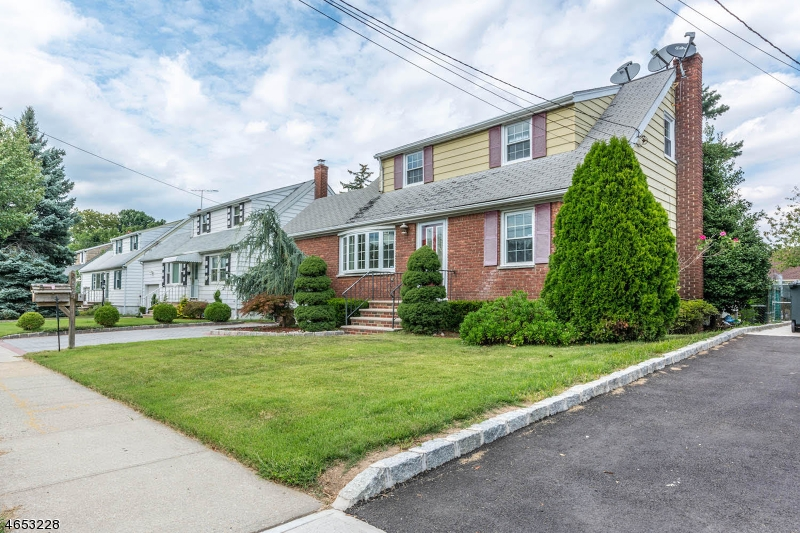 Additional photo for property listing at 2527 STANDISH Avenue  Union, New Jersey 07083 États-Unis