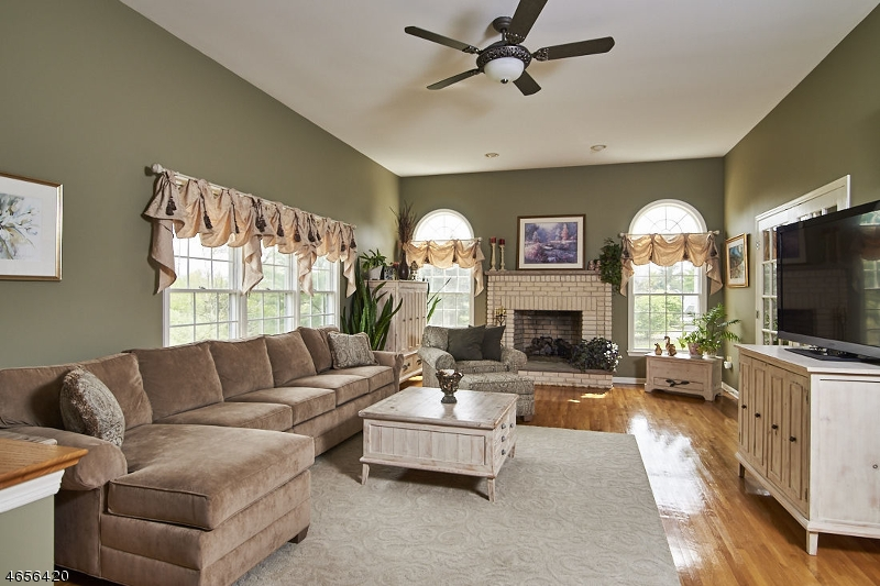 Additional photo for property listing at 104 Governor Drive  Basking Ridge, Nueva Jersey 07920 Estados Unidos