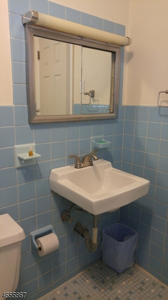 Additional photo for property listing at 312 W 15th Street  林登, 新泽西州 07036 美国