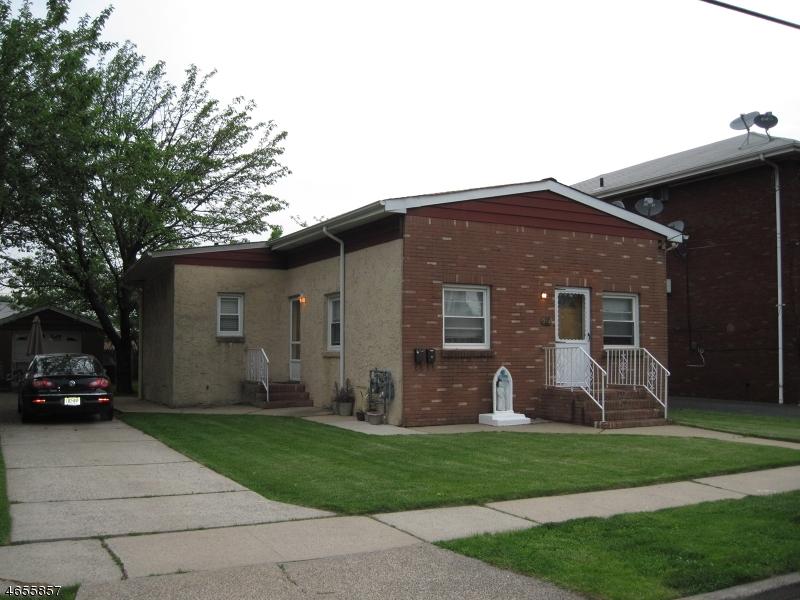 多户住宅 为 销售 在 312 W 15th Street 林登, 新泽西州 07036 美国