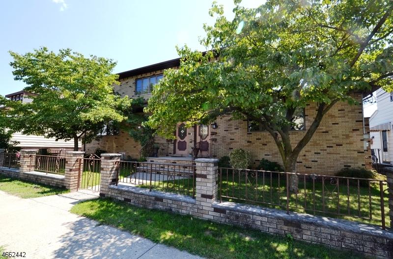 独户住宅 为 出租 在 122 Farnham Avenue Garfield, 新泽西州 07026 美国