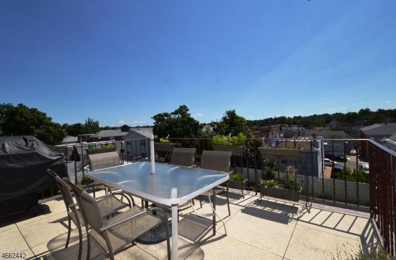 Additional photo for property listing at 122 Farnham Avenue  Garfield, 新泽西州 07026 美国