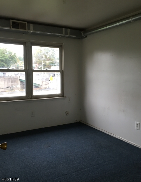 Additional photo for property listing at 267 Park Ave, UNIT 5E  East Orange, Nueva Jersey 07017 Estados Unidos
