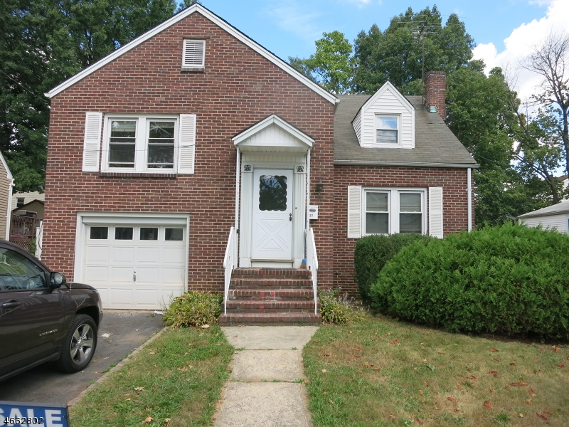 Additional photo for property listing at 327 Dietz Street  Roselle, Nueva Jersey 07203 Estados Unidos