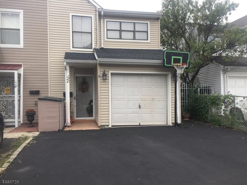 独户住宅 为 销售 在 120 Clark Place Elizabeth, 新泽西州 07206 美国