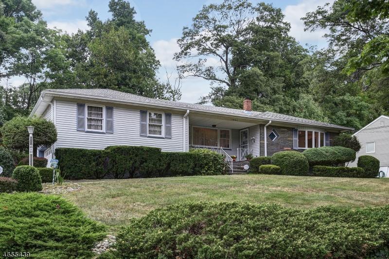 Casa Unifamiliar por un Venta en 1044 Elston Drive Mountainside, Nueva Jersey 07092 Estados Unidos