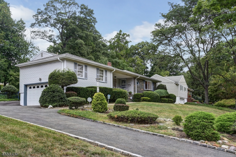 Additional photo for property listing at 1044 Elston Drive  Mountainside, Nueva Jersey 07092 Estados Unidos