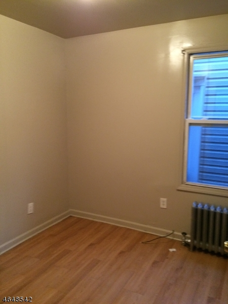 Additional photo for property listing at 20 N York Street  Paterson, Nueva Jersey 07524 Estados Unidos