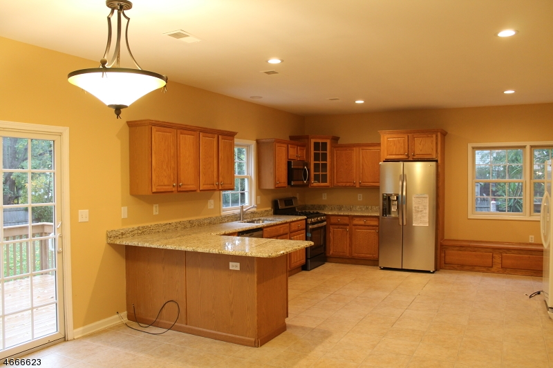 Частный односемейный дом для того Продажа на 179 Union St, UNIT A Lodi, 07644 Соединенные Штаты