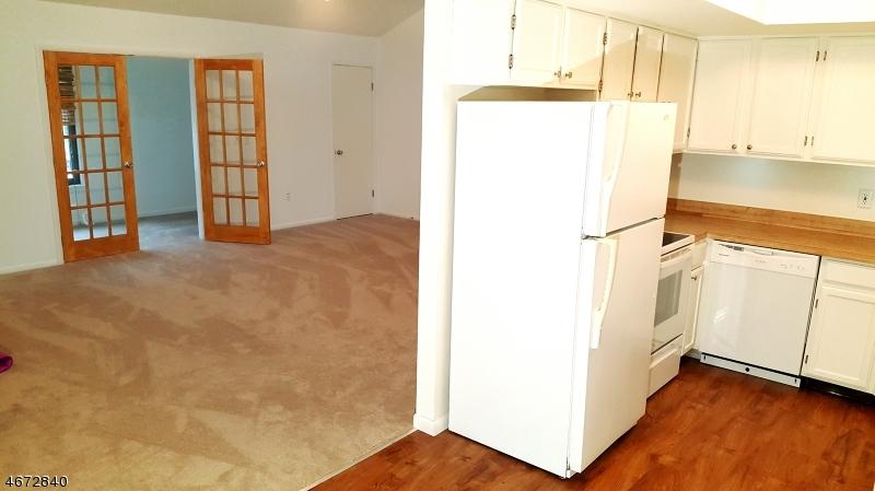 Частный односемейный дом для того Аренда на 390 Mohegan Circle Newton, 07860 Соединенные Штаты