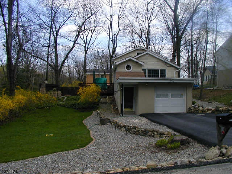 Частный односемейный дом для того Аренда на 516 Tahama Road Highland Lakes, Нью-Джерси 07422 Соединенные Штаты