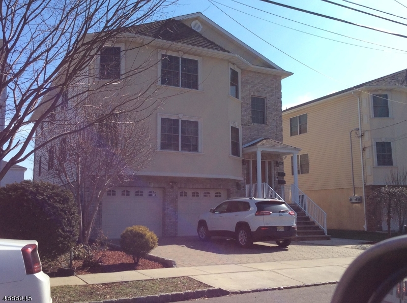 Частный односемейный дом для того Аренда на 64 Salter Place Belleville, Нью-Джерси 07109 Соединенные Штаты