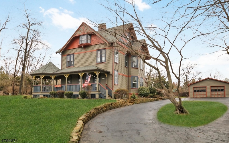 Single Family Home for Sale at 716 Valley Road Gillette, New Jersey 07933 United States