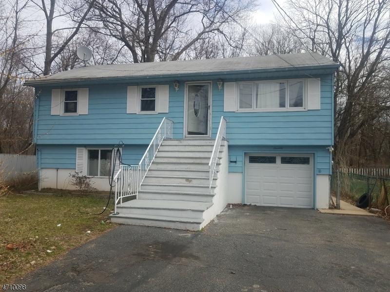 Частный односемейный дом для того Продажа на 70 Lake Shore Drive Lake Hiawatha, Нью-Джерси 07034 Соединенные Штаты