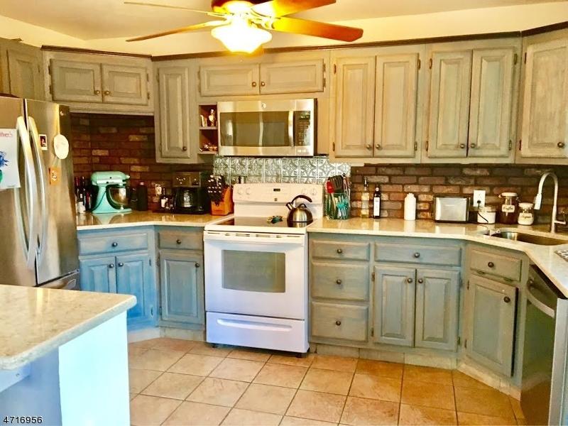 Maison unifamiliale pour l à louer à 3 Aster Street Vernon, New Jersey 07418 États-Unis