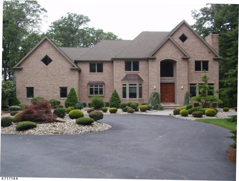 Single Family Home for Sale at 1 Sherwood Court Randolph, New Jersey 07869 United States