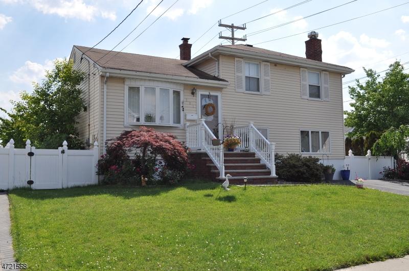 Casa Unifamiliar por un Venta en 171 BURNET Place Wood Ridge, Nueva Jersey 07075 Estados Unidos