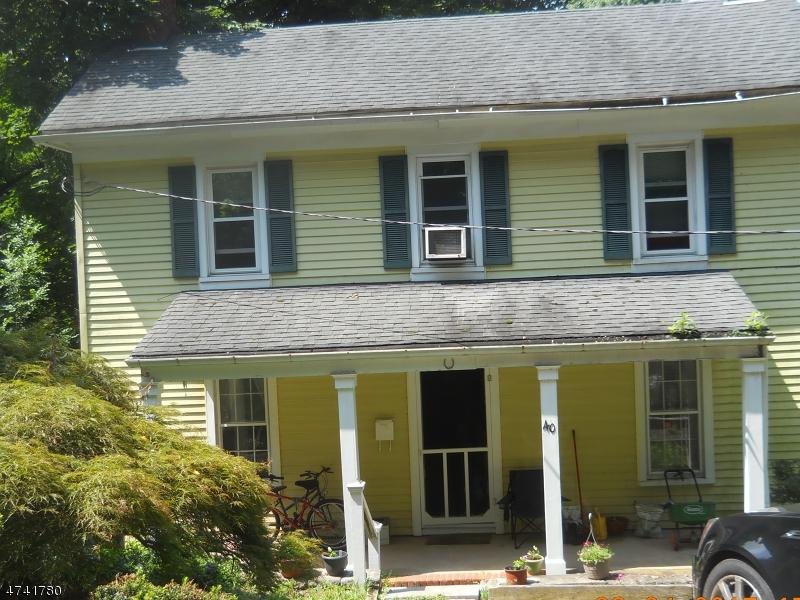 Частный односемейный дом для того Продажа на 40 Taylor Street High Bridge, Нью-Джерси 08829 Соединенные Штаты
