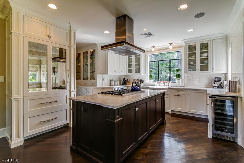 Частный односемейный дом для того Продажа на 54 Curtis Place Maplewood, Нью-Джерси 07040 Соединенные Штаты