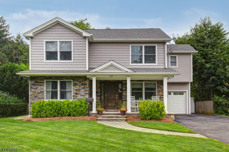 Single Family Home for Sale at 220 WOODLAND Road New Milford, New Jersey 07626 United States
