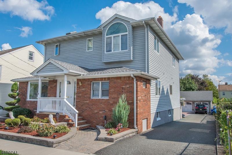 Частный односемейный дом для того Продажа на 12 Ridge Avenue Little Falls, Нью-Джерси 07424 Соединенные Штаты