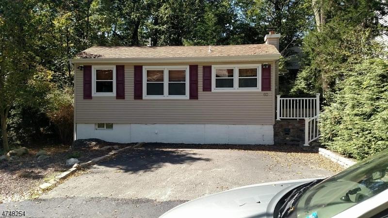 Casa Unifamiliar por un Alquiler en 60 Stanford Trail Hopatcong, Nueva Jersey 07843 Estados Unidos