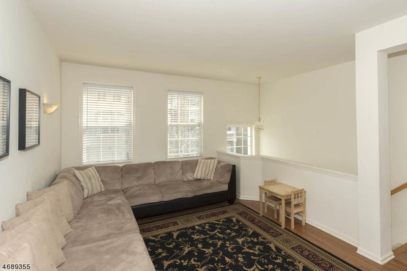 一戸建て のために 売買 アット 32 Devonshire Drive 32 Devonshire Drive Clifton, ニュージャージー 07013 アメリカ合衆国
