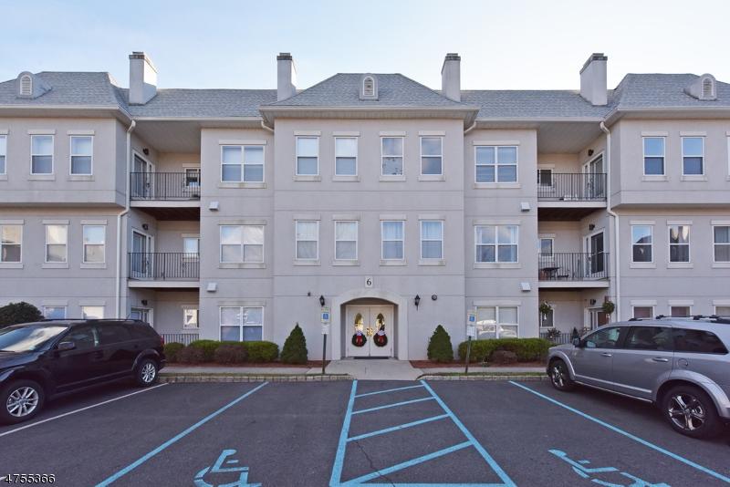 Частный односемейный дом для того Аренда на 622 Brittany Drive Wayne, Нью-Джерси 07470 Соединенные Штаты
