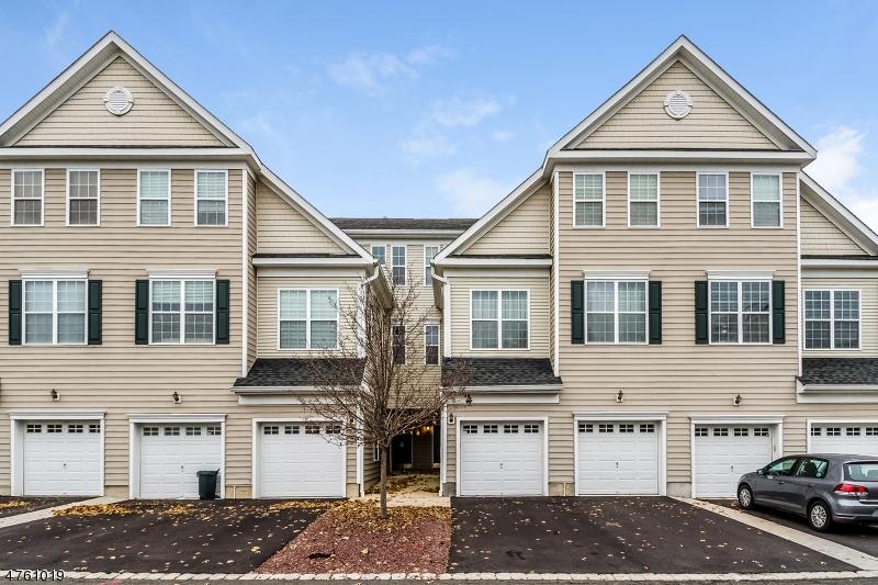 Casa Unifamiliar por un Alquiler en 5 Patriots Path South Bound Brook, Nueva Jersey 08880 Estados Unidos
