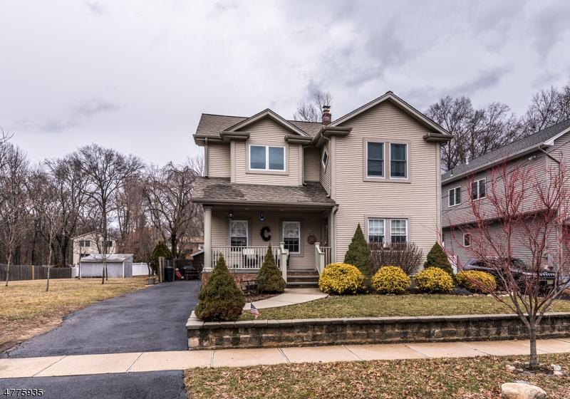 Casa Unifamiliar por un Venta en 48 Harding Avenue Westwood, Nueva Jersey 07675 Estados Unidos