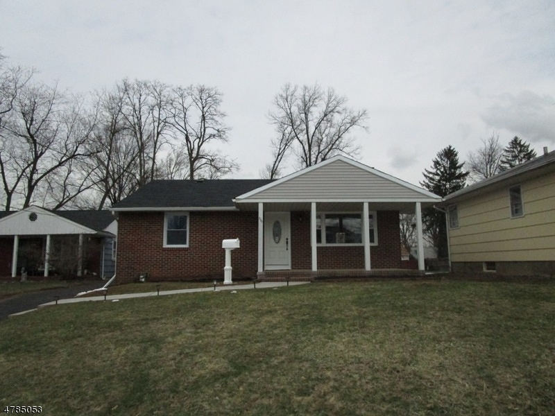 独户住宅 为 销售 在 299 Bramhall Road 拉维, 新泽西州 07065 美国