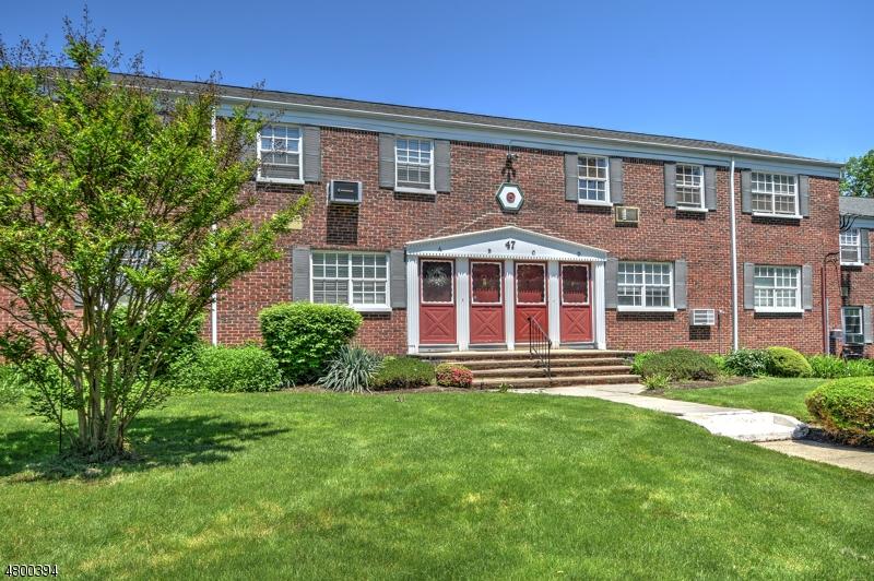 Кондо / дом для того Аренда на 47 W COLFAX Avenue Roselle Park, Нью-Джерси 07204 Соединенные Штаты