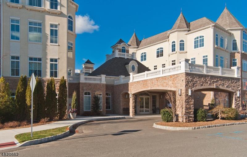 Condominio/ Casa de pueblo por un Venta en 201 METZGER Drive West Orange, Nueva Jersey 07052 Estados Unidos