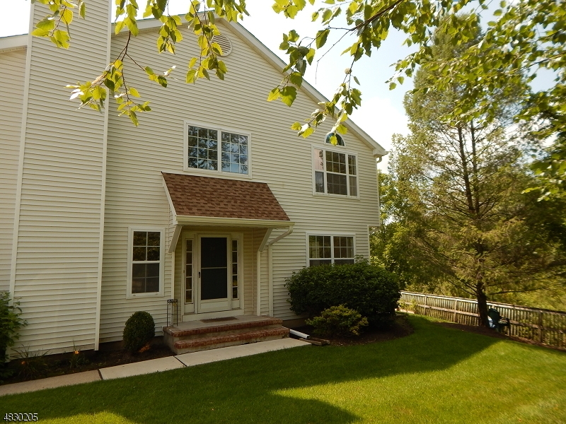Condo / Townhouse for Sale at 21 WEATHERHILL Road Hamburg, New Jersey 07419 United States