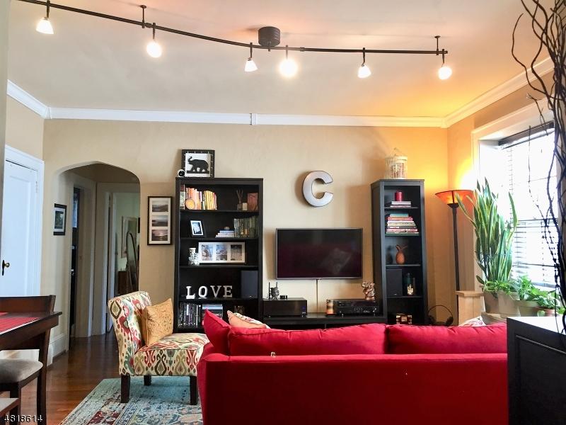 Condo / Townhouse pour l Vente à 55 RANDOLPH Place Orange, New Jersey 07050 États-Unis
