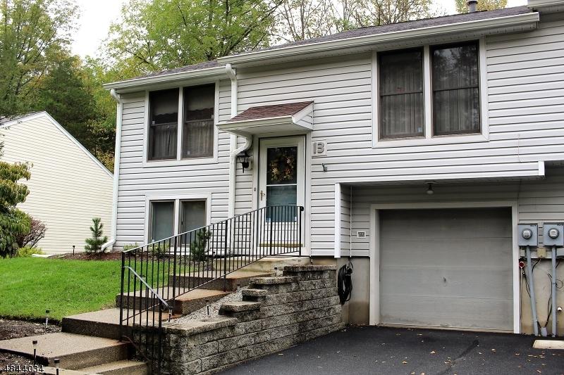 Property для того Продажа на 13 PEBBLESTONE Lane Hardyston, Нью-Джерси 07419 Соединенные Штаты