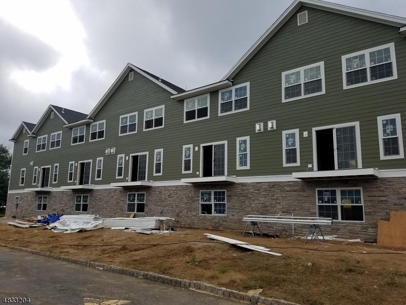 Condominio/ Casa de pueblo por un Venta en 7 Chaz Way Fairfield, Nueva Jersey 07004 Estados Unidos