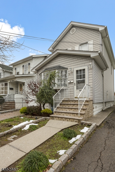 Single Family Home for Sale at 212 PROSPECT Avenue North Arlington, New Jersey 07031 United States