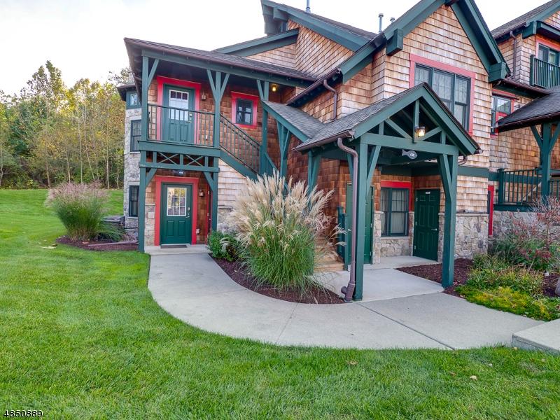 Condominio / Townhouse per Vendita alle ore 4 PINE CRES Vernon, New Jersey 07462 Stati Uniti
