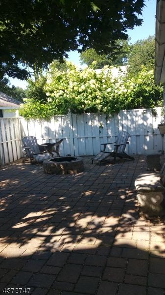 Property для того Продажа на Union, Нью-Джерси 07083 Соединенные Штаты
