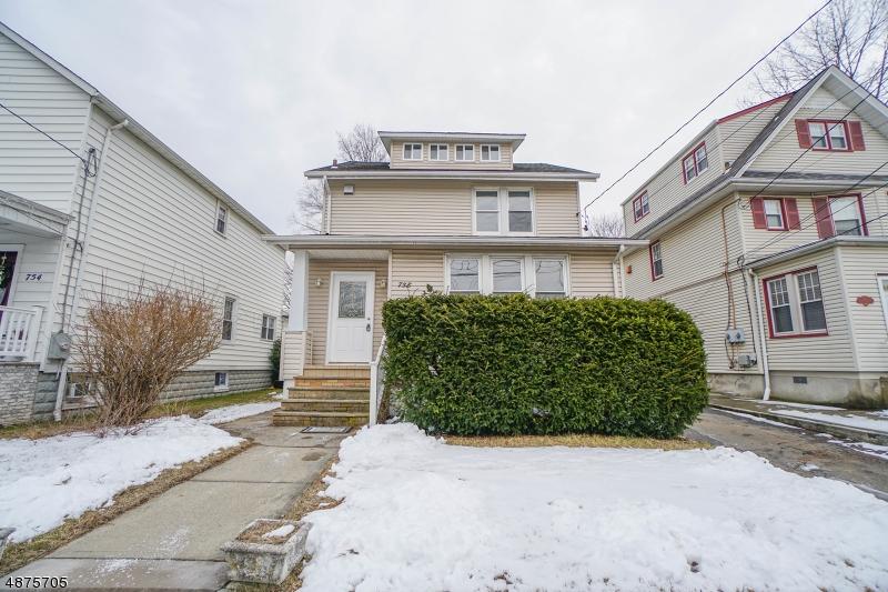 Maison unifamiliale pour l Vente à 758 6TH Street Lyndhurst, New Jersey 07071 États-Unis