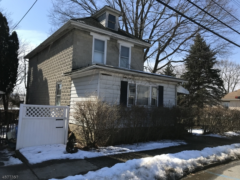 Single Family Home for Sale at 231 E CENTRAL AVE 231 E CENTRAL AVE Alpha, New Jersey 08865 United States