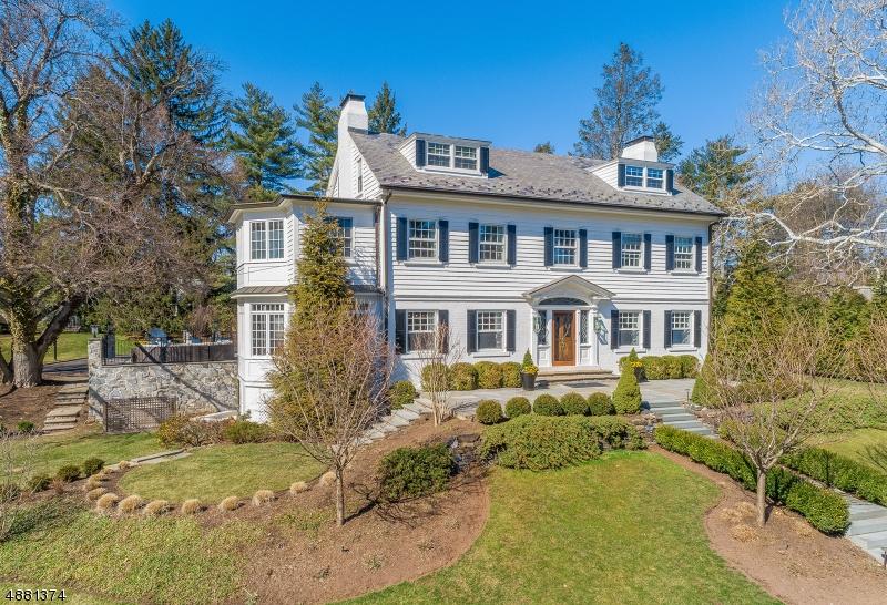 Villa per Vendita alle ore 1 MINNISINK Road Millburn, New Jersey 07078 Stati Uniti